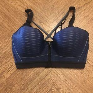 Victoria's Secret Incredible Front Close Bra 32D